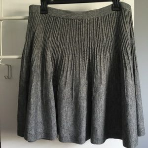 H&M wool blend pleated skirt M